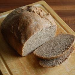 Bruinbrood uit de broodbakmachine