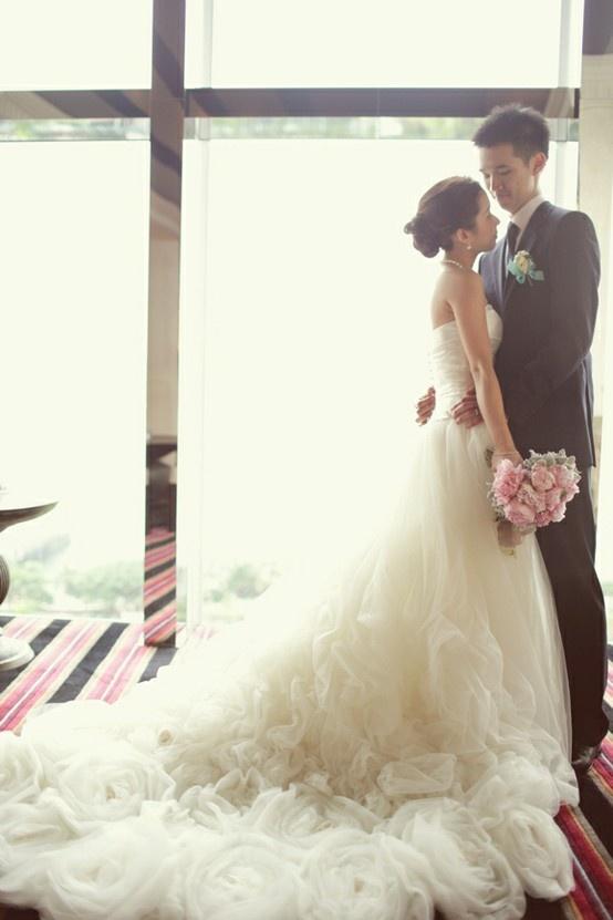 Lusan Mandongus Wedding Dress!! LOVE!!!