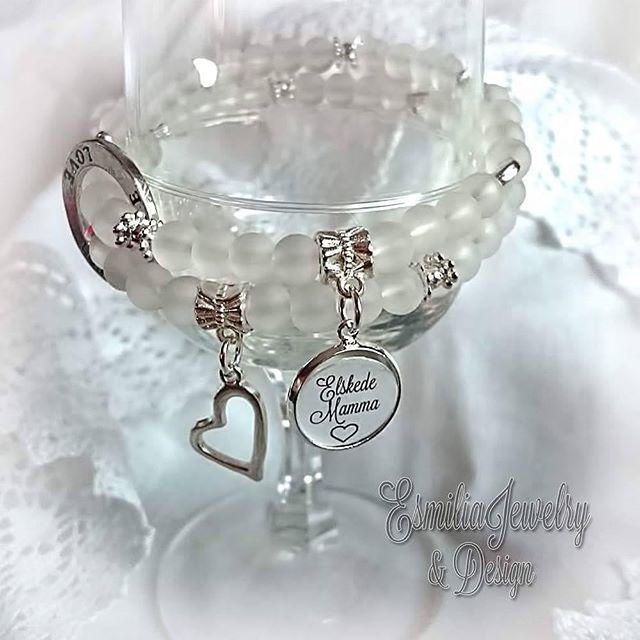WEBSTA @ esmiliasmycken - 99sek fri frskt inom Sverige Frakt till Norge 14sek#namn #namnarmband #personligt #armband #budskapsarmband #pärlarmband #smycken #mamma #mormor #farmor #barn #barnbarn #present #bloppis #loppis #tillsalu #gåva #armbånd #smykke #pärlor #pyssel #Jewelry #viärallapysselmorsor #bracelet #handmadejewelry #armbånd #smykke