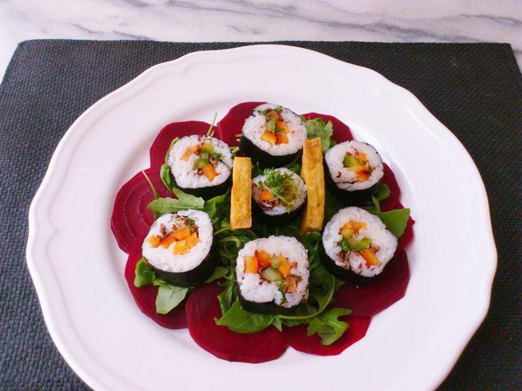 Homemade beet arugula fried tofu & flaxseeds veggie sushi ! #vegan #organic #glutenfree #healthyeating #nutrition #food