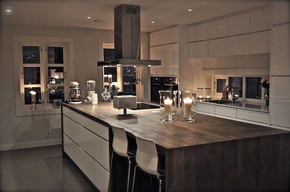 Mano kjøkken med kjøkkenøy