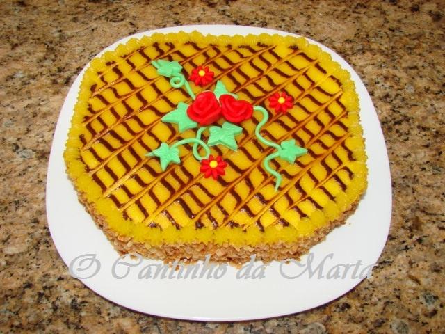bolo recheado com creme de pasteleiro