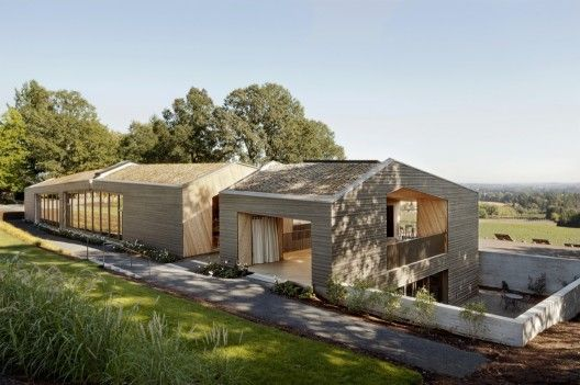 Autor: http://www.plataformaarquitectura.cl/2014/01/13/sala-de-degustacion-en-la-vina-sokol-blosser-allied-works-architecture/