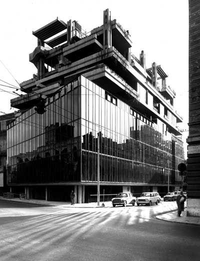 Edificio Polifunzionale in via Campania - Hnos. Passarelli