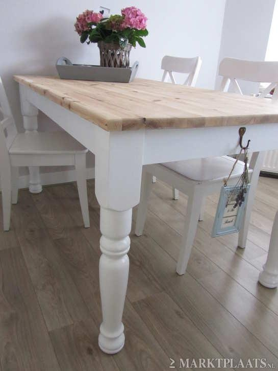 This table and chair set matches the pale yellow farm house dream I was sharing with my hubby