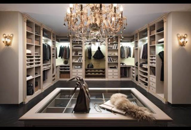 Dream closet organization ideas lvbh style closet for Best walk in closets in the world