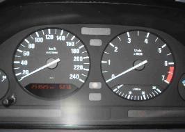 Kilométeróra, pixelhiba javítása. http://www.pixelfix.net/
