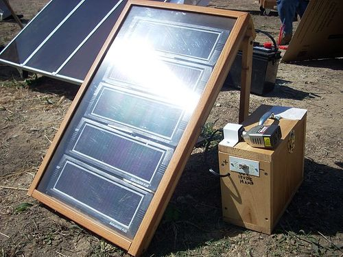 http://netzeroguide.com/12v-solar-panel.html The best 12v solar panel chargers, batteries and transportable solar panels. Read user reviews and see the latest products and cool portable 12v solar panel packs. improvised solar panel unit2