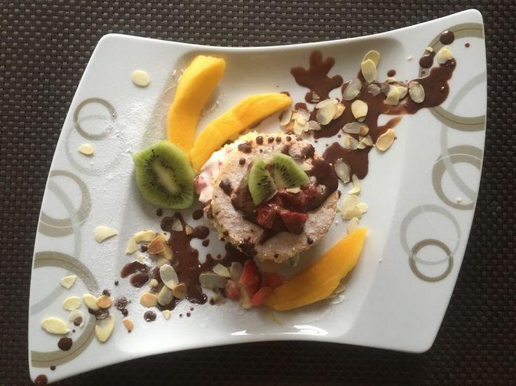 Biskuittürmchen  Ein leichtes Dessert mit diversen Cremevariationen und einer fruchtigen Frische!  Rezept findet ihr im Link!