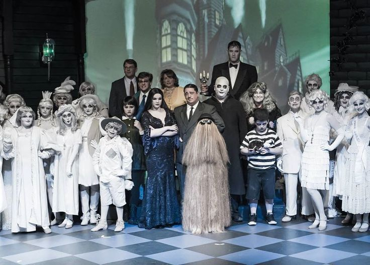 Inspiration & Accessories: DIY Addams Family Halloween Group Costume Idea