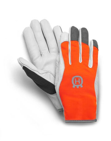 A slim fit and comfortable glove made with goat leather palm and jersey fabric on the back. Goat leather provides good protection against moisture since it contains natural fat and is therefore suitable for demanding jobs. A necessity for mower parts.