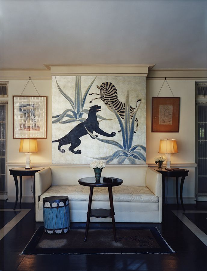 Beverly Hills house designed by Elsie de Wolfe (ca. 1936) for Countess Dorothy di Frasso, who later rented it to Marlene Dietrich. Fashion brand Co used it for their Fall 2016 Look Book. See Habitually Chic (22 February 2016).