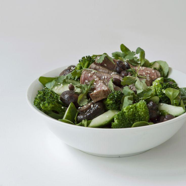 japanese style beef salad // by Wij Zijn Kees // www.ilovesla.com
