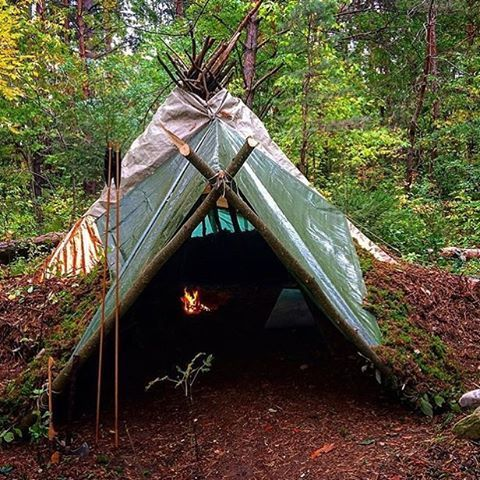 Time to prep the shelters for winter. Another amazing picture by @primitive_living (go follow by the way!) #skilledsurvival