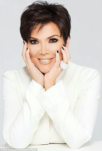 **All things white - Kris Jenner - Glamorous Mum. Love her hair and makeup.