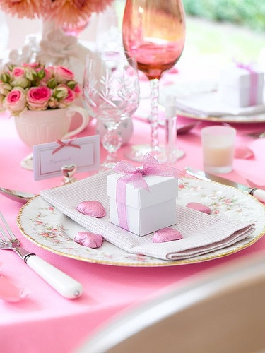Roses & Chocolates: Tables Sets, Pink Table, Pink Ribbons, Valentines Day, Favors Boxes, Bridal Shower, Sets Tables, Teas Parties, Pink Parties