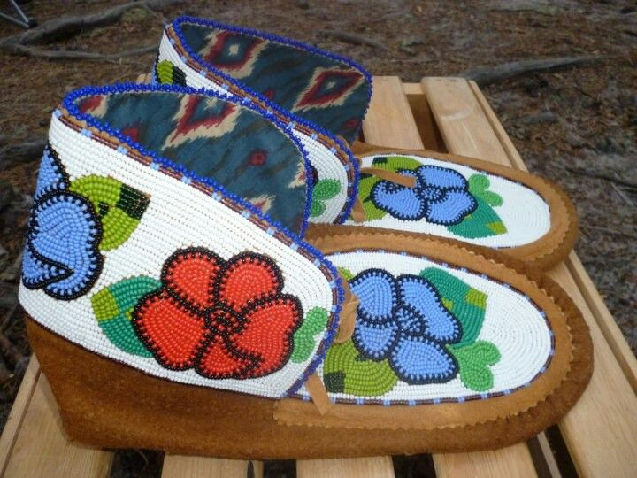 native american beadwork   Mocs   Native American Beadwork