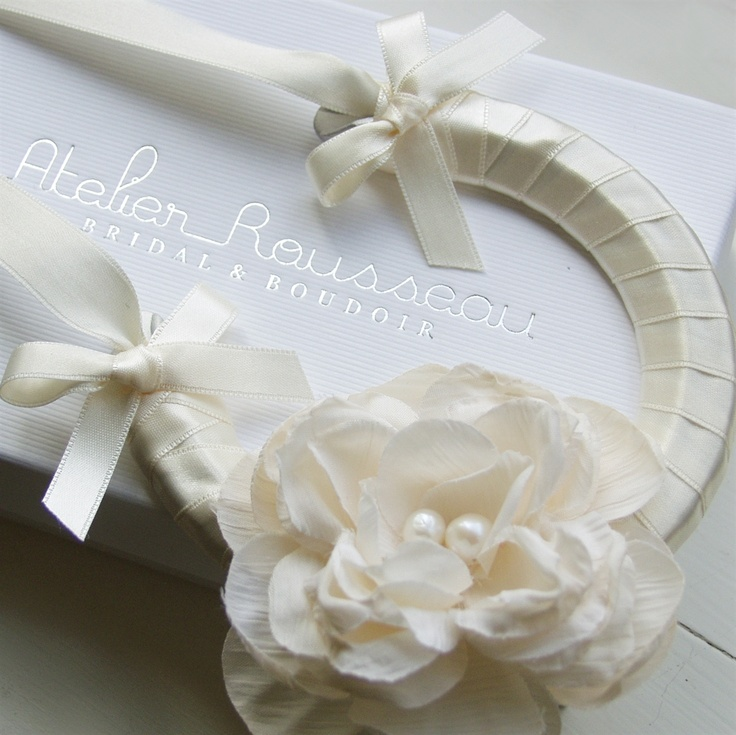 Lucky horseshoe bridal accessory
