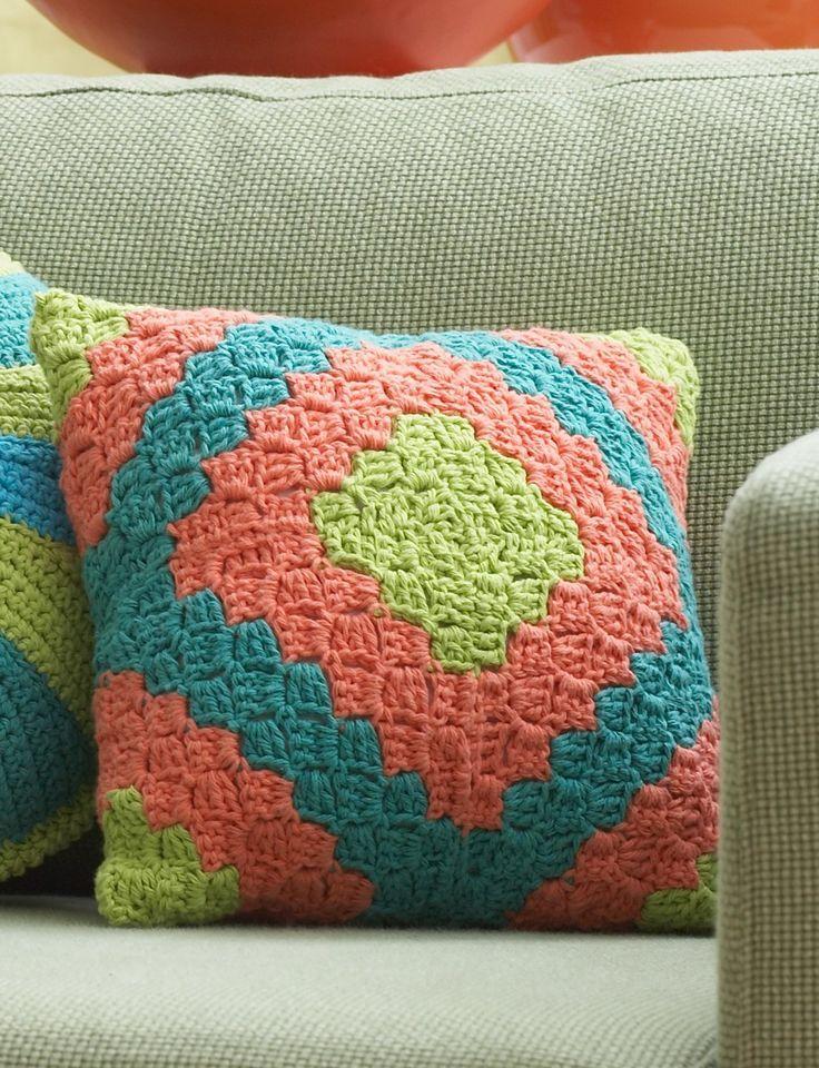 Diamond Motif Pillow: free crochet pattern