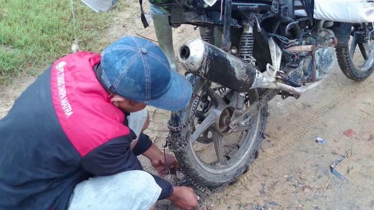 Tips memasang rantai pada ban motor anti slip