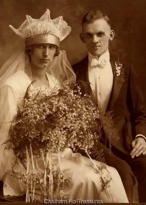 Stunning 1920s Vintage Wedding Photo