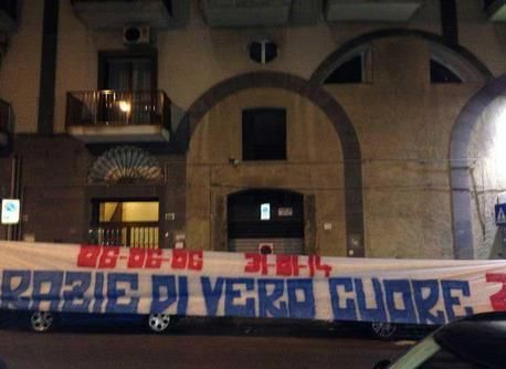FOTO - Festa a sorpresa per Cannavaro: ecco lo striscione che i tifosi hanno dedicato all'ex capitano azzurro ~ CLUB NAPOLI PIEDIMONTE MATESE