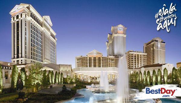 Situado en el corazón de la famosa zona conocida como Las Vegas Strip, Caesars Palace Las Vegas está repleto de opulencia y espectaculares detalles como columnas, estatuas y rasgos de la arquitectura romana. Experimenta las vacaciones de tu vida en este lujoso resort al cenar en cualquiera de sus múltiples restaurantes, lounge en el área de la piscina, así como bailar en los exclusivos clubs y apostar en el excitante casino. #OjalaEstuvierasAqui