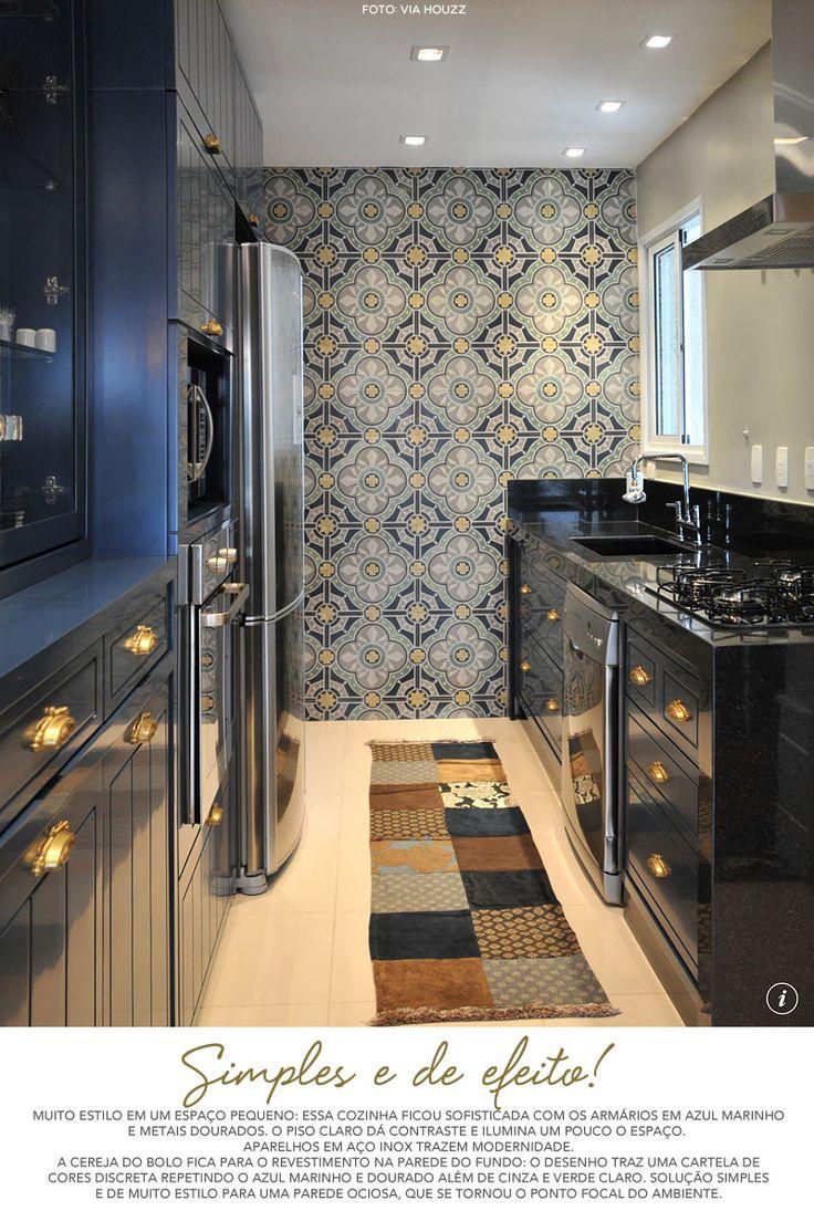 Cozinha azul marinho @ Living Gazette (tapete e azulejo)