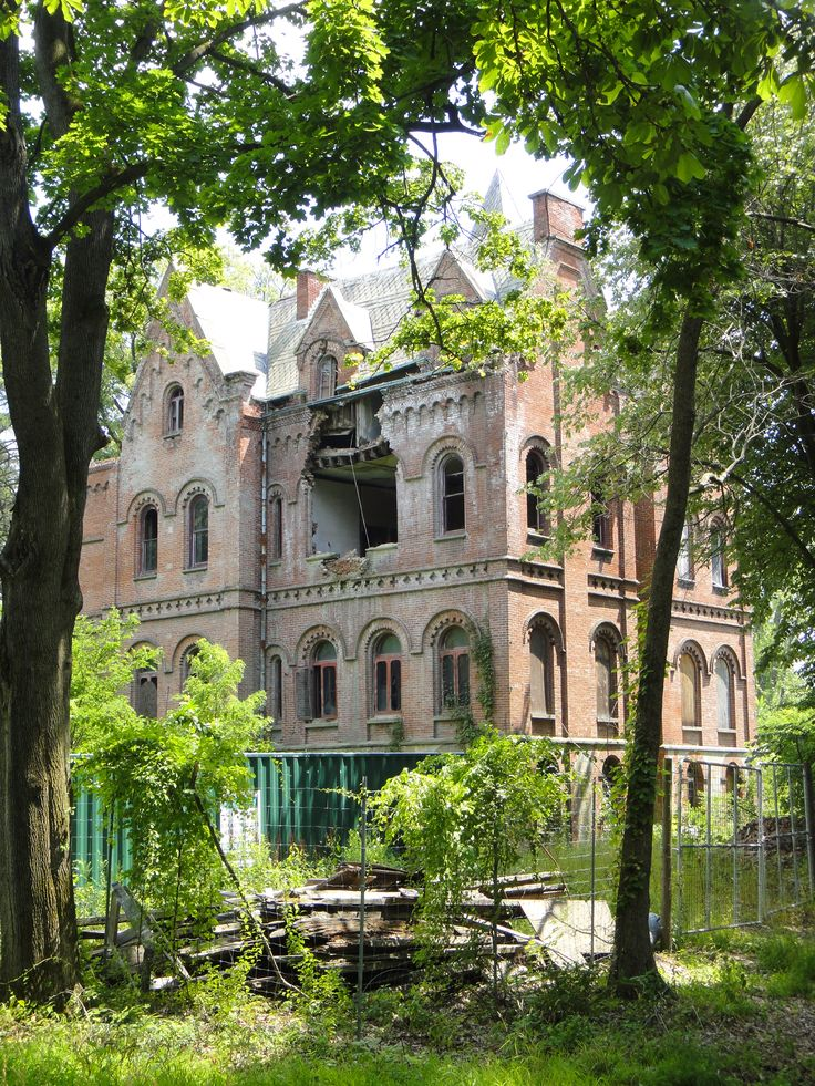 """Wyndcliffe is an abandoned mansion in the town of Rhinebeck, New York. The scale of this place is absolutely enormous, and its style seems different from any of the other Hudson River estates. The owner, Ms. Jones, was a relative of the Astors. The house reputedly inspired the phrase """"keeping up with the Joneses""""..."""