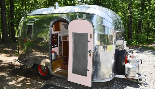 I want a vintage Airstream trailer like this to have as a hangout and spare bedroom.