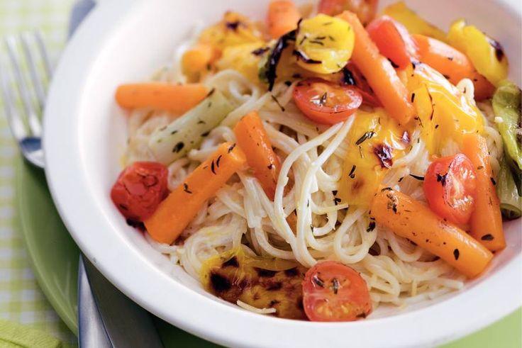 Romige spaghetti met voorjaarsgroenten - Recept - Allerhande - Albert Heijn