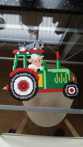 #green #tractor #hama #perler #pearlbeads #creative #hobby #creation #beads #farmanimals #animal #babyroom #cat #dog #horse  #sleep #cat