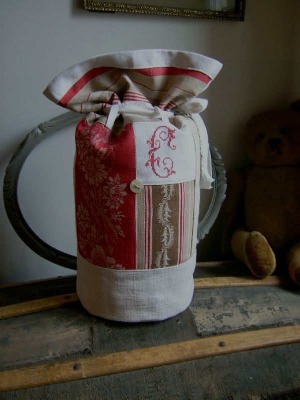 © L'atelier d'Aston Grand sac polochon chanvre toile à matelas rouge  Hauteur 46cm / diamètre 19cm