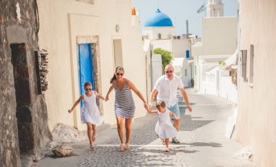 Family photoshoot- Family moments in Santorini . Click in the image to see the full collection www.photographergreece.com