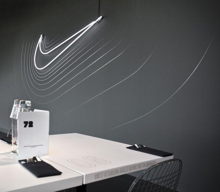Le Siege de Nike EMEA (Europe) une commande à l'agence Uxus de faire party de L'Équipe verser re-Concevoir Leur cantine d'entreprise.