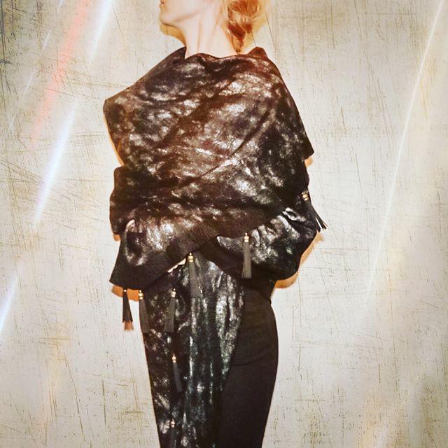 #handmade #silkscarf #scarf #shawl #fashion #style #valeins #silk #nunofelt #felt #streetstyle #streetfashion #aucklandfashion #merino #merinowool #newzealandwool #nzfashion #black #blackandwhite #textile #OOTD #tassel #leathertassel #insta_art #موضة #ستايل #فالينز #صناعة_يدوية #حرير #سكارف_حرير