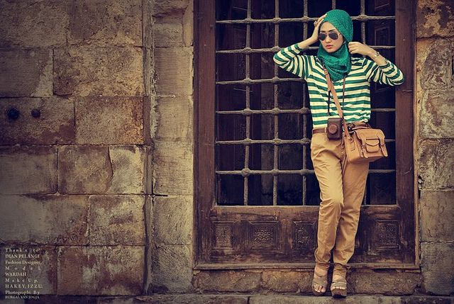 stripes and modest skinny pants