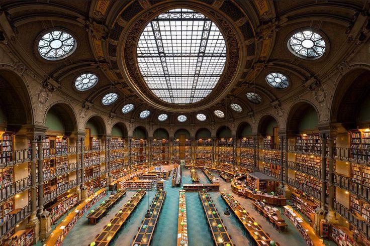 la biblioth que nationale de france paris les 10 plus belles biblioth ques du monde un jour. Black Bedroom Furniture Sets. Home Design Ideas