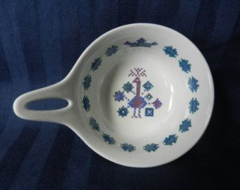 Figgjo Flint Norway 'Menu' dish / pan with handle and embroidered pattern of a peacock