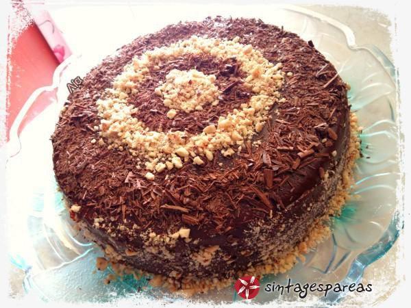 Νηστίσιμη τούρτα σοκολάτας με κρέμα χαλβά #sintagespareas #nistisimitourta #sokolata