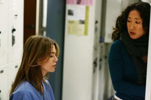 Grey's Anatomy Alex and Cristina   Grey's Anatomy - Die jungen Ärzte - Haben einen schweren Tag hinter ...