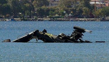 Yunan Kara Havacılığına ait Apache Helikopteri Kuzey Yunanistan'da Denize düştü
