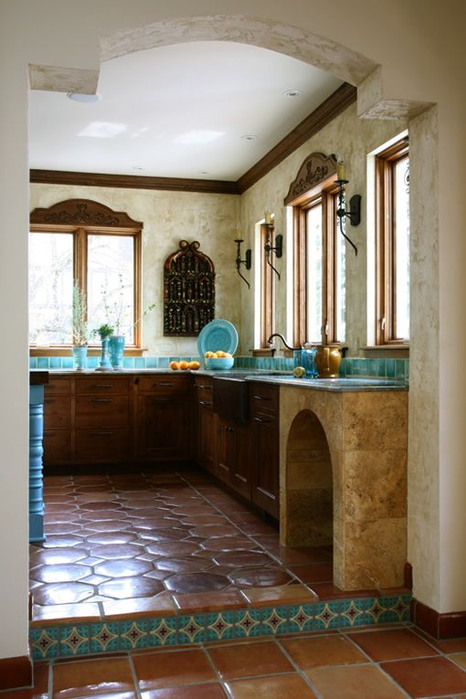 Kitchen tile, look at that pretty turquoise and Spanish tile!!!