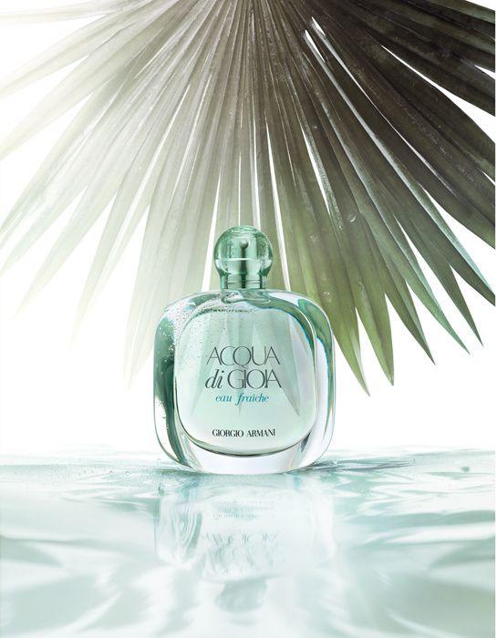 colognes : Aqua Di Gioia Eau Fraîche de Giorgio Armani http://www.vogue.fr/beaute/shopping/diaporama/shopping-beaute-eaux-de-colognes-parfums/14089/image/785799#!aqua-di-gioia-eau-fraiche-de-giorgio-armani - Parfumerie et parapharmacie - Parfumeries - Giorgio Armani