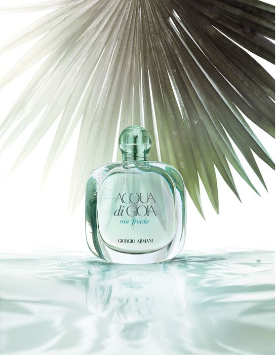 colognes : Aqua Di Gioia Eau Fraîche de Giorgio Armani http://www.vogue.fr/beaute/shopping/diaporama/shopping-beaute-eaux-de-colognes-parfums/14089/image/785799#!aqua-di-gioia-eau-fraiche-de-giorgio-armani