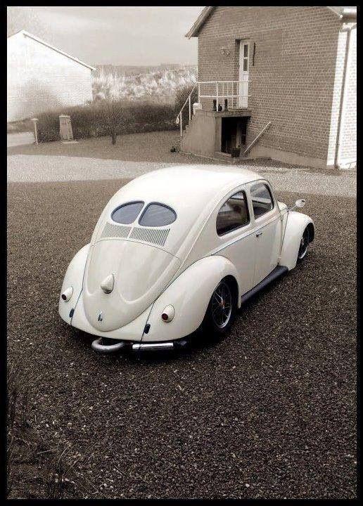 Visit The MACHINE Shop Café... ❤ Best of VW @ MACHINE ❤ (Classic VW Bug Split-window)