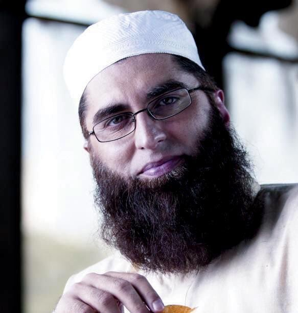 Welcome to Ele & Elis Blog: Pakistan plane crash - Pop star Junaid Jamshed con...