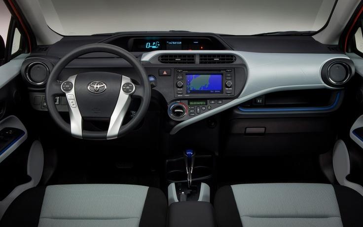 Toyota-Prius-c-interior