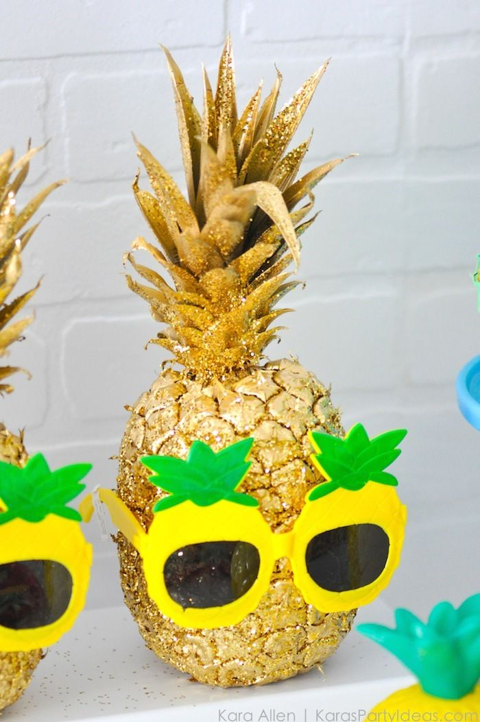53 best pineapple party ideas via kara 39 s party ideas com for Ananas dekoration