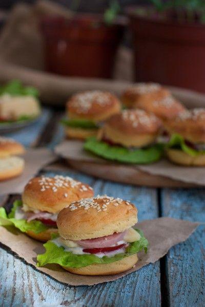 Мини гамбургеры с ветчиной